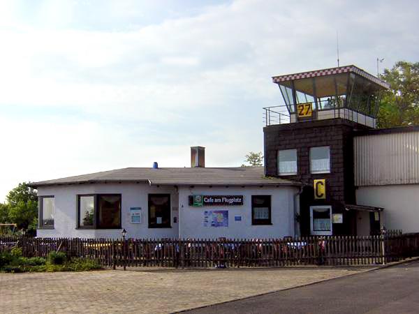 Flugplatz-Café Neustadt an der Aisch von außen
