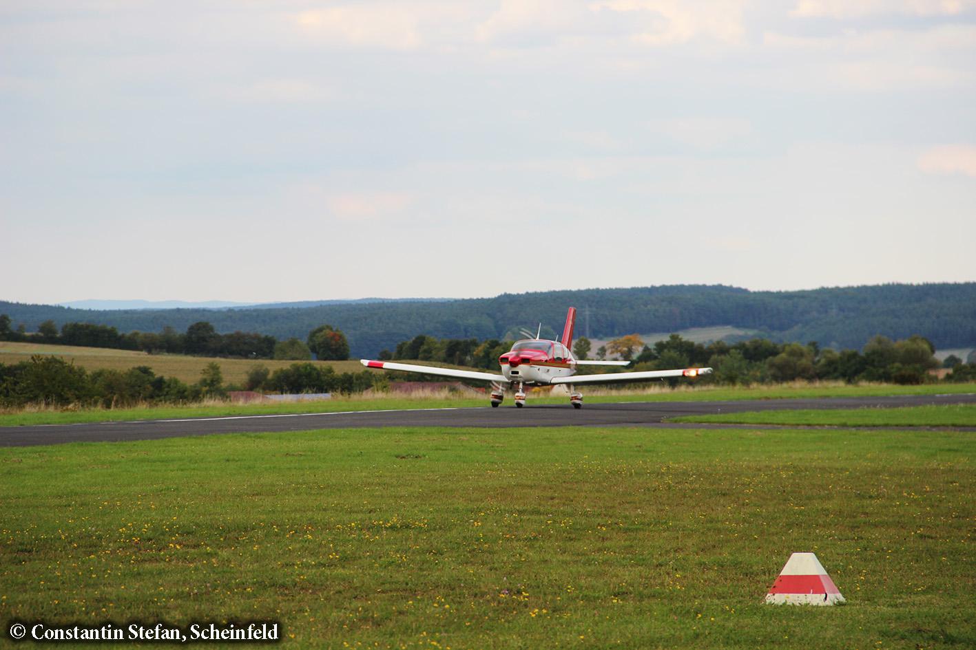 TB200 D-EMXR auf der Landebahn