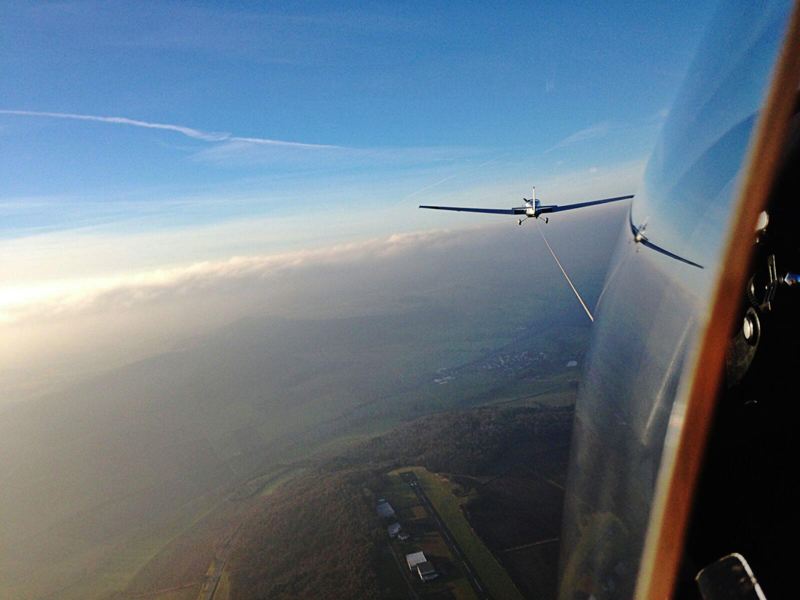 Segelflugschlepp aus dem Haubenfenster unserer ASK-21